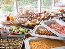 ◆朝食◆和洋のバイキング形式の朝食♪(イメージ)