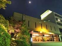 ホテルサンバレー富士見(外観夜景)