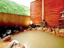 泉掛け流し!100%ピュアの天然温泉は「茶褐色」のにごり湯