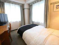 ■本館セミダブル■(広さ10平米~12平米/ベッド幅120cm)