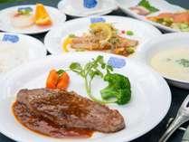 *夕食一例/メインは和牛サーロインステーキのフレンチフルコース