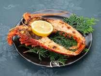 *伊勢海老の鬼瓦焼き/伊豆大島の天然塩を使用。伊勢海老を風味を堪能できる1品です!