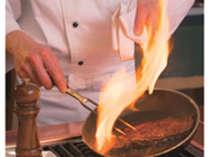 【ステーキ&ローストビーフ食べ放題】いっぱい食べて夏を乗り切りましょう☆