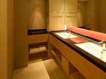 【デラックスツイン「KANAZAWA」】バスルーム