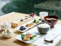 【クラブラウンジ】限定30食。季節により異なる金沢らしいご朝食をご用意。※写真は一例です。