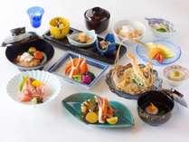 【金茶寮】カニをたっぷりと贅沢に味わえる「蟹づくし懐石」をお愉しみいただけます。