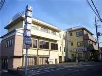 中山駅徒歩5分 郵便局/商店街は3分 緑も豊かです。