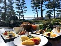 東京湾を眺めながらのビュッフェ朝食
