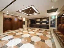 新横浜国際ホテル本館ロビー