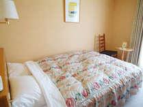 セミダブルルーム(15平米 ベッド幅144cm×195cm)
