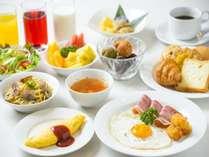朝食はお好きなものをお好きなだけ愉しめる和洋食バイキング。
