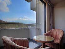 客室からの富士山の眺め(スタンダードツイン5階)