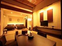 【モダン和洋室】カップルやご夫婦、ご家族・グループに人気の広々としたオシャレな客室です。