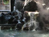 桜島の溶岩を使った新露天風呂『もみじ』