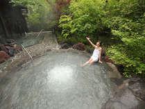 桜島の溶岩を使った『霧乃溶岩露天風呂』外湯のジャグジー風呂では四季を楽しめます♪