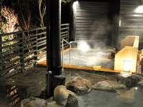 露天風呂にはジャグジー付きの寝湯が♪自然を感じながら目を閉じて・・・至福のひと時を・・・