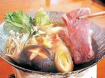 冬の鍋料理の一例。天神の杜大泉ポークをが楽しめることも