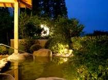 人気の貸切露天はお泊りの方専用。流れ星やお月様をながめて
