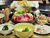 *【夕食例】一品一品盛り付けにもこだわってご用意しております。