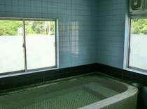 【貸切家族風呂(内湯)】お天気に左右されず楽しめます。24時間入浴OK