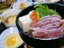 【名物料理「豚すき焼き」】地元ブランド『大泉ポーク』使った当館名物の「豚すき焼き鍋」(例)♪