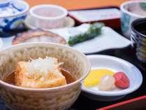 *【朝食一例】ほっとする味 揚げ出し豆腐
