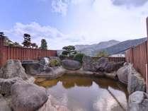 *【巨石露天風呂】自家源泉100%掛け流し天然温泉