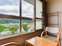 *【和室一例】東鳴子の街と里山の自然を眺めて。
