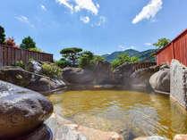 *【巨石露天風呂】自家源泉100%かけ流しの天然温泉
