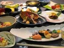 【懐石料理一例】季節の食材を活かした、こだわりの創作懐石料理。