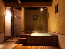 2014年オープン「笛吹」禁煙露天風呂付客室の露天風呂面積30.43㎡