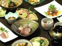 島根県内や鳥取県大山の旬の食材を使った懐石料理(夕食例)