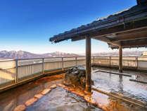 女性のお客様には朝風呂がオススメ!爽快な山景色を眺めながら、2種の温泉をお楽しみください♪