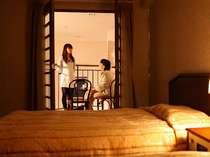 【メゾネットスイート】~客室備品~テレビ・冷蔵庫・ポット・ドライヤー・洗面用具・パジャマ・タオル