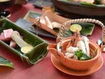 【松茸と信州産和牛の秋会席】土瓶蒸しなど、松茸の香りと味を存分にお楽しみください。