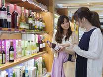 【売店ショップ】信州お土産から食品・飲料などを各種取り揃えています。