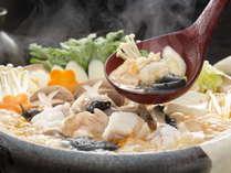 あんこう鍋。茨城の冬の味覚を存分にお楽しみ下さい。コラーゲンたっぷりで温まります。