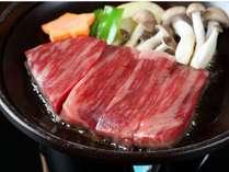 【上州牛ステーキ】(別注料理)。滴る肉汁がたまらない。若い方はもちろん、年配の方もぺろりといけます
