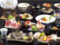 季節の食材をふんだんに使った懐石料理。当館スタンダードコース【スメール懐石】