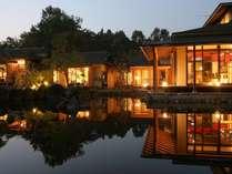 静かな別荘地に佇む全9室の旅館大忠の別邸になります。