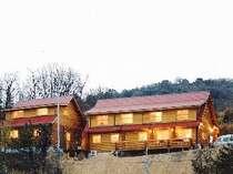 岡山県産の国産杉を使った丸太組工法の本格ログハウス