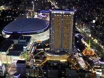 東京ドームシティにそびえる地上43階建ての高層ホテル