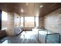 朝風呂も好評!男性用サウナ付大浴場/ご利用時間 15:00~24:00、6:00~9:00