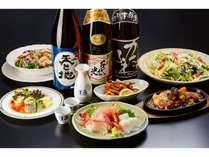 新潟の地酒やおつまみ、お食事と豊富なメニューでみなさまをお待ちしております。