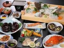 通年でお愉しみ頂ける、『おすすめコース』例。旬の魚介お刺身や、島名物の蛸丸茹でなど海幸満載★