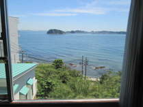客室からの眺望。晴れの日には渥美半島・紀伊半島までも望めます♪
