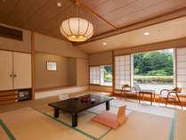 清山館客室一例 広々としたくつろぎの和室