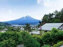 世界遺産の富士山を裾野まで見渡す立地