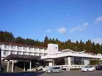 *当館は、お部屋や露天風呂から太平洋が眺められる公共の宿でございます。