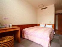 【専用露天付洋室シングル】シングルユースの洋室で、部屋隣に専用露天風呂が付いています。